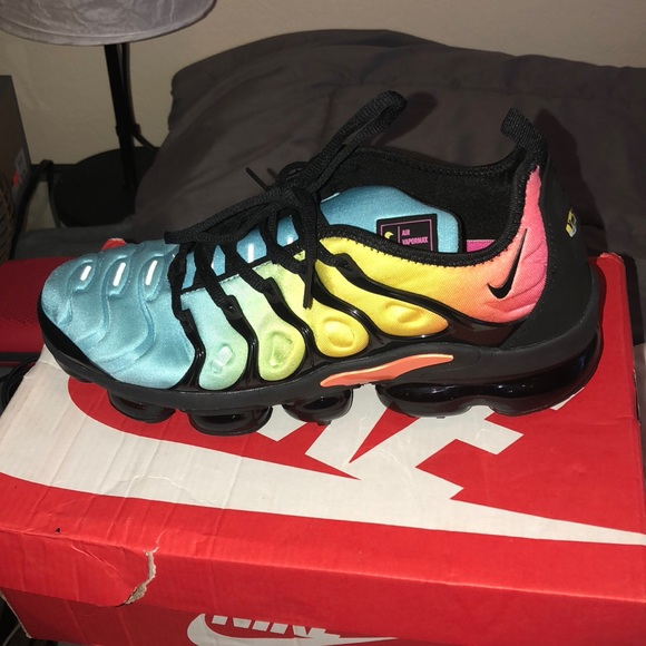 sale retailer f5bb0 fbff6 Nike vapormax plus tropical sunset. M 5b831e88d365be127039076d